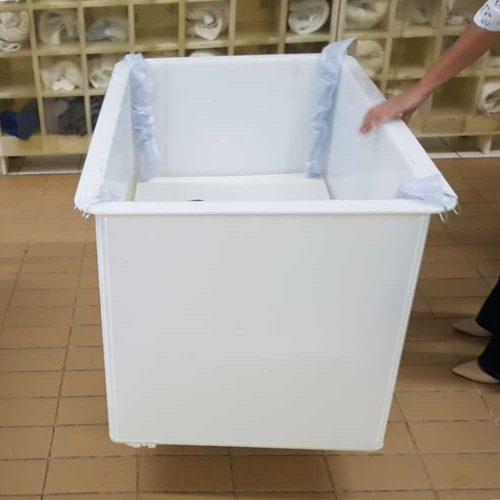 carrinho cuba em plastico de alta resistencia com plataforma de elevacao carro cuba ergonomico para lavanderia hotel hospital