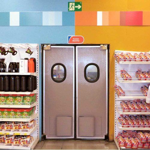 porta vai e vem supermercado extra macam brasil